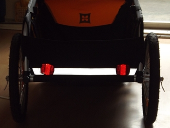 reflektoren garantieren gute sichtbarkeit im dunkeln. Black Bedroom Furniture Sets. Home Design Ideas