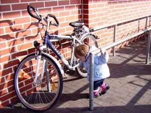 Mehr Schutz für Räder und Fußgänger
