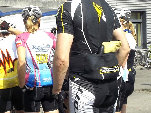 Fahrradtrikot mit Taschen